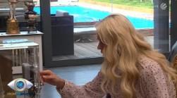 Promi Big Brother 2013 - Jenny Elvers und der Tresor