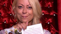 Promi Big Brother 2013 - Jenny Elvers freut sich Jubiläum