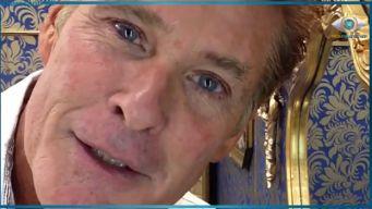 Promi Big Brother 2013 David Hasselhoff macht auf Handtuchmangel aufmerksam
