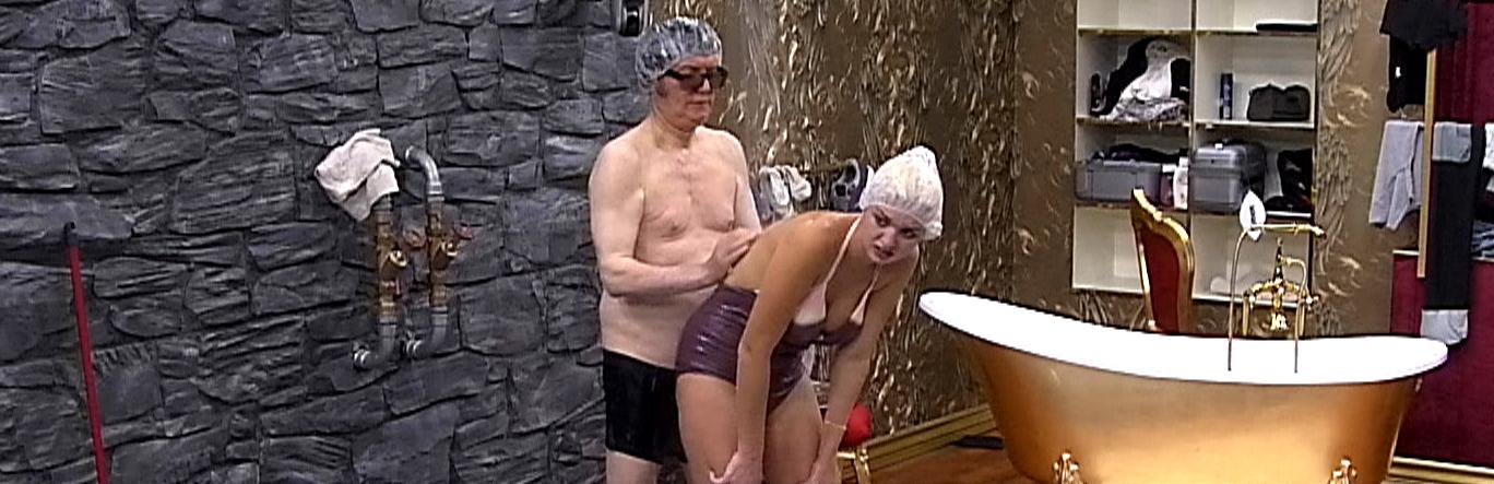 Promi Big Brother 2013 - Fancy Natalia Seifendusche
