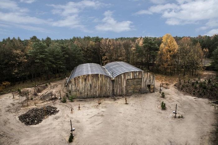 Utopia: Bilder aus dem Camp