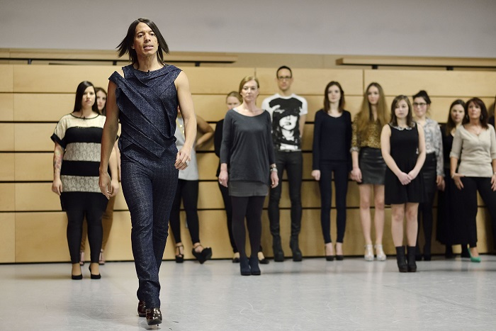 Chicas Walk Academy: Jorge Gonzales