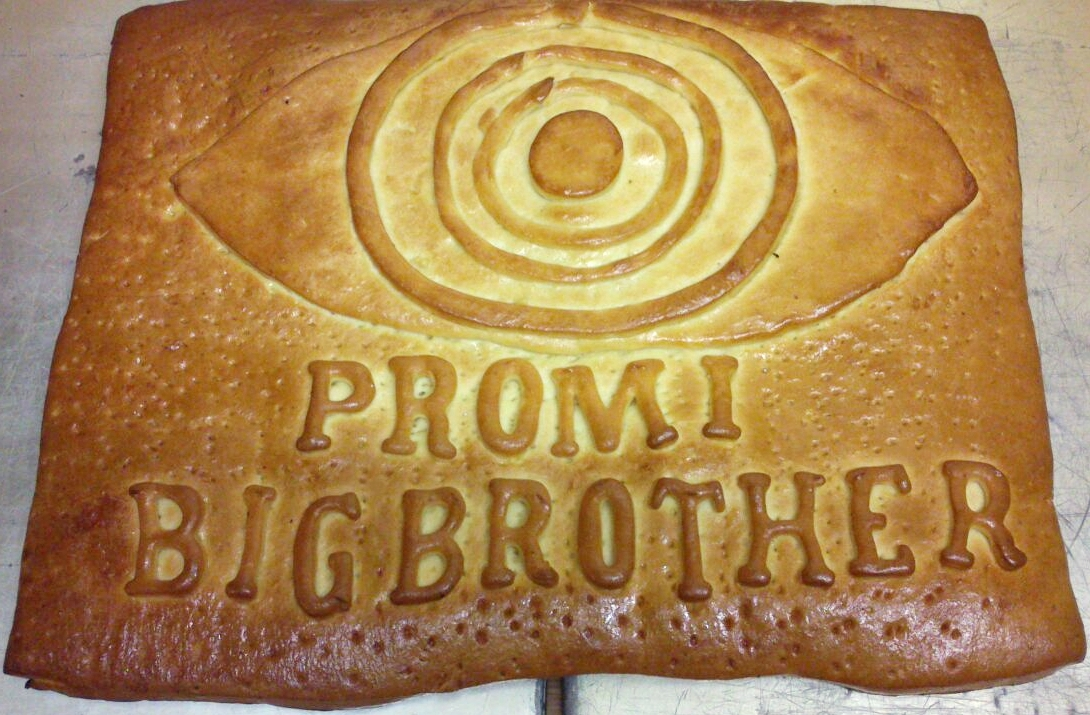 Promi Big Brother Kuchen 3D Teig gebacken