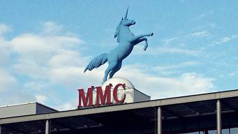 Wahrzeichen der MMC-Coloneum-Studios - Einhorn-Figur