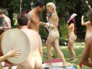 Adam sucht Eva USA Nackt Party