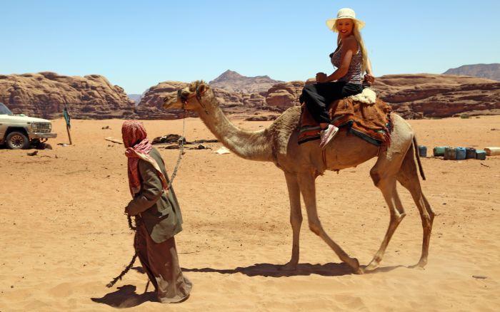 Daniela Katzenberger - natürlich schön - Daniela Katzenberger in der Wüste - Jordanien