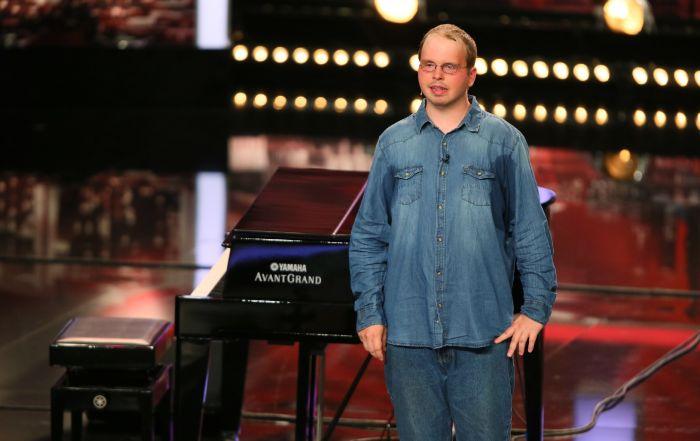 Das Supertalent -Daniel Heine (28), Klavierspieler aus Döbra.