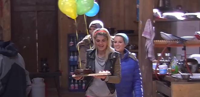 Newtopia Geburtstagskind Luftballons Ueberraschung