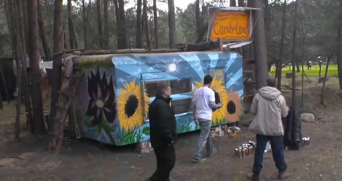 Newtopia Lotusblume Bauwagen