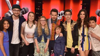 The-Voice-Kids-2015-Finale-Noah-Levi-Sam-Antonia-Zoe-Cosma-Nestor-Finalisten-Coaches