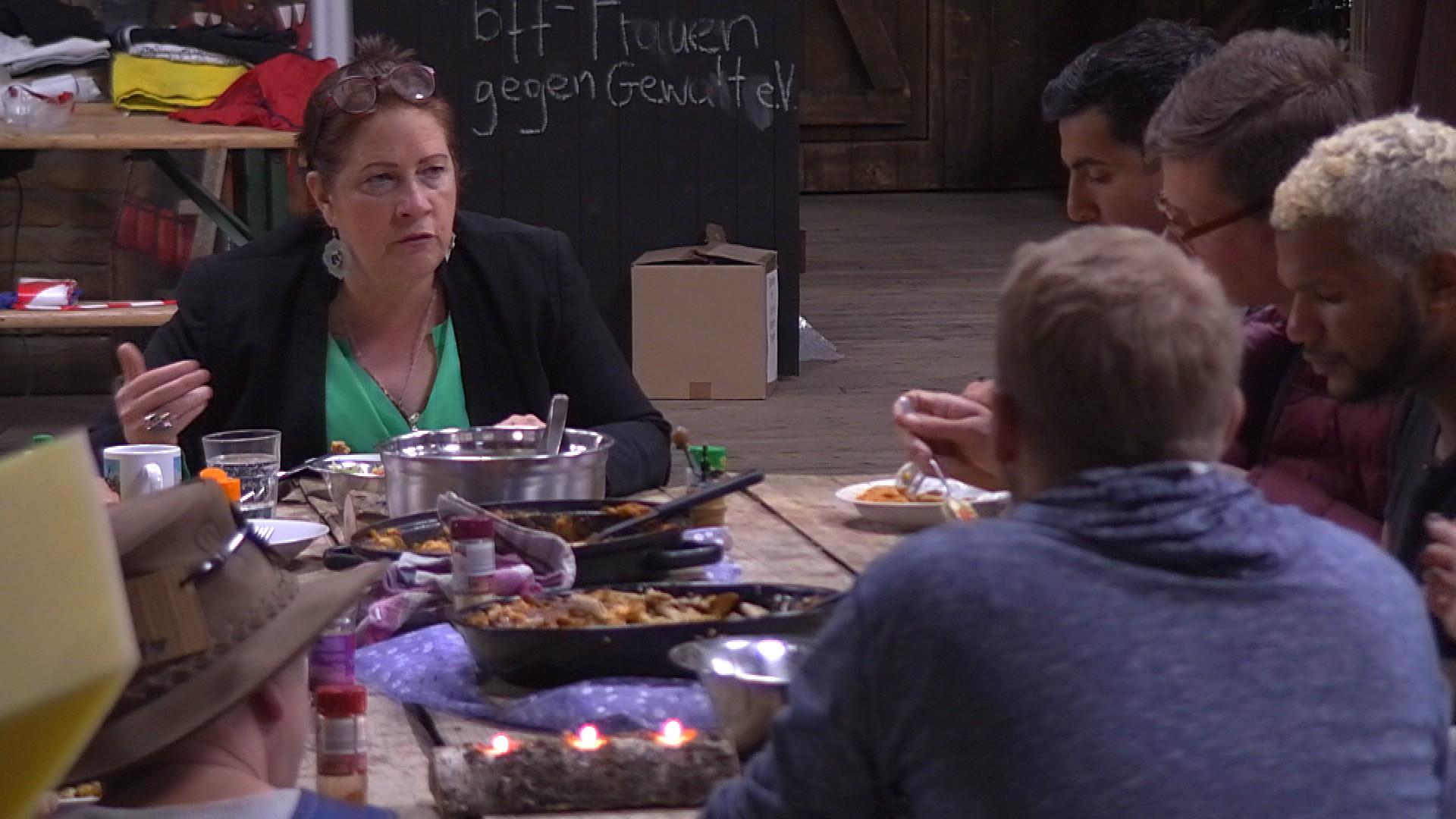 Newtopia Kathy Kelly Essen Folge 62 22.05.2015