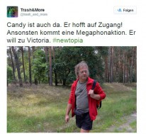 Candy wartet am Tor
