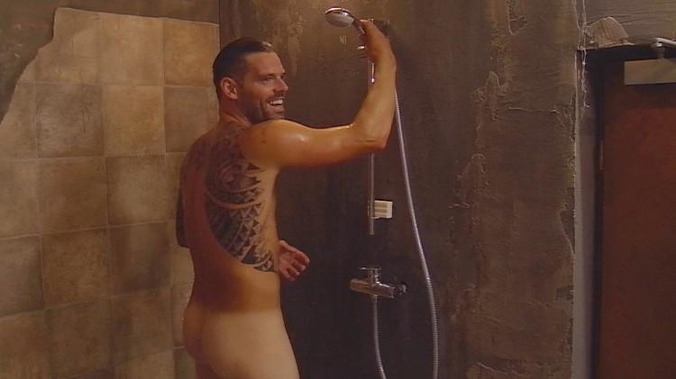 Daniel nackt nackt Bild stürmisch
