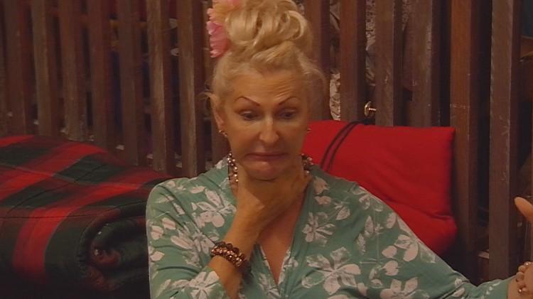 Desiree Nick bekommt keine Luft Streit Raucher Promi Big Brother 2015