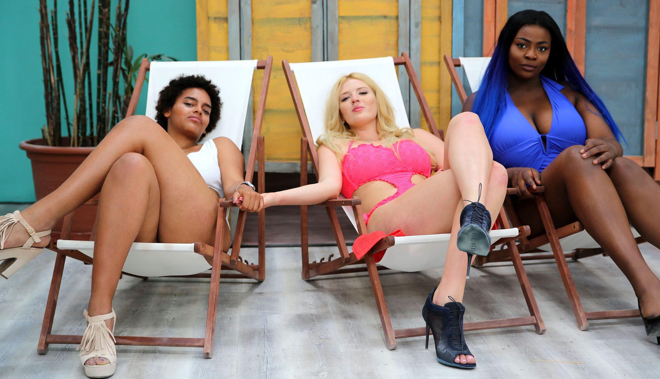 v.li.: Lara, Polina, Aurelie - Bild: RTL II