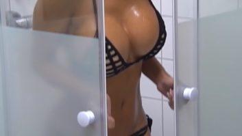 Maria Hering Promi Big Brother 2017 nackt im Bikini