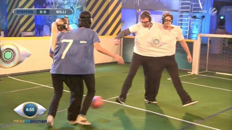 Promi Big Brother 2017 Folge 7 17.08.2017 Fessel Fussball