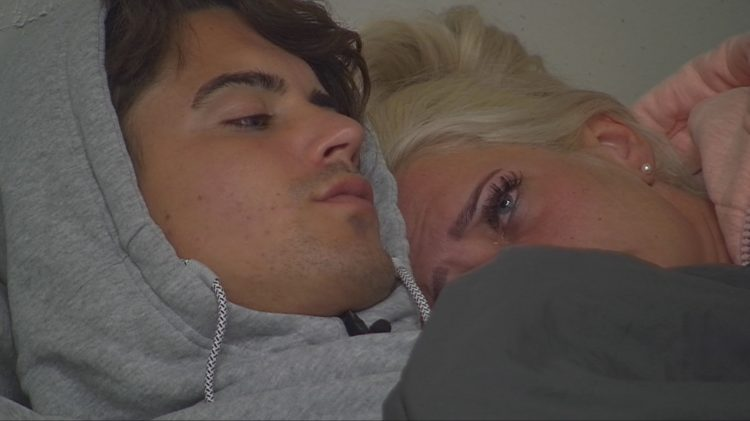 Promi Big Brother 2017 Sex Dominik Bruntner Sarah Knappik