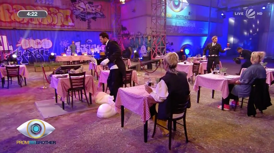 Promi Big Brother 2018 Duell Dinner for Fun