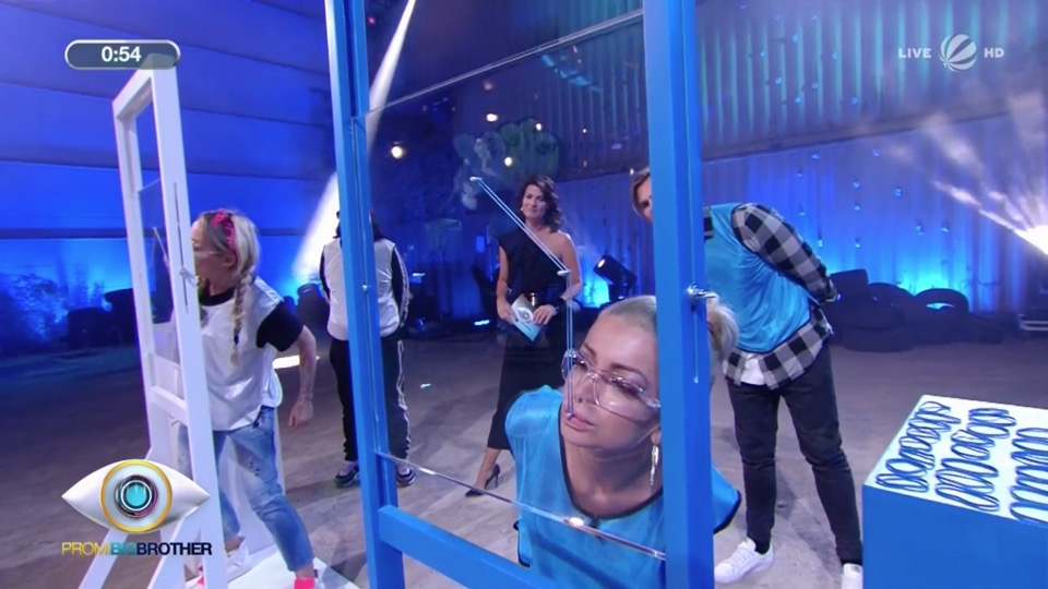Promi Big Brother 2018 Duell Gummband