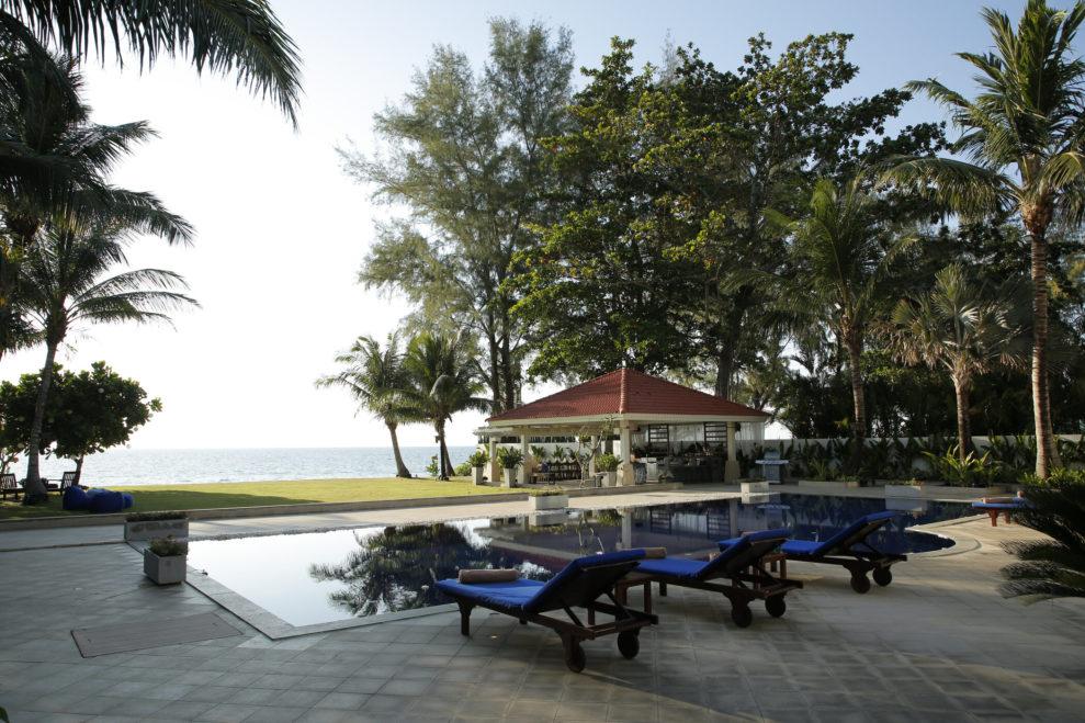 Promis unter Palmen Strand