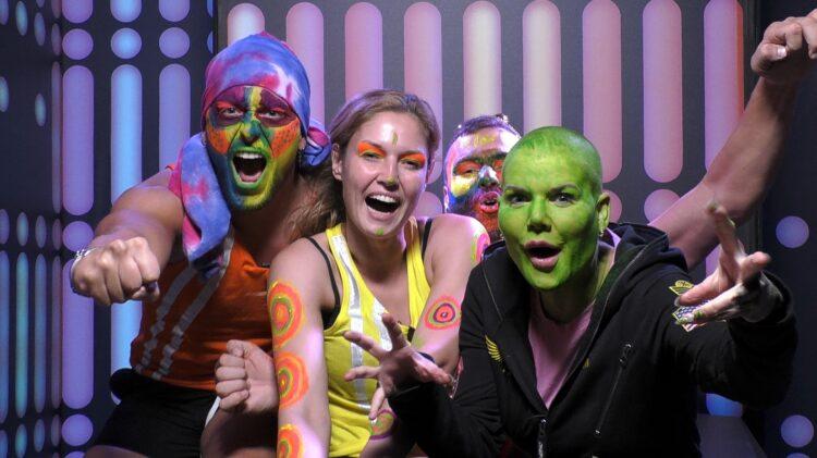 Promi Big Brother 2021 Melanie als Shrek Alien